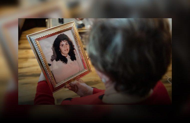 """Perdió a su única hija en la AMIA y durante muchas noches alguien llamó a su casa: """"Mamá buscame, estoy viva"""""""