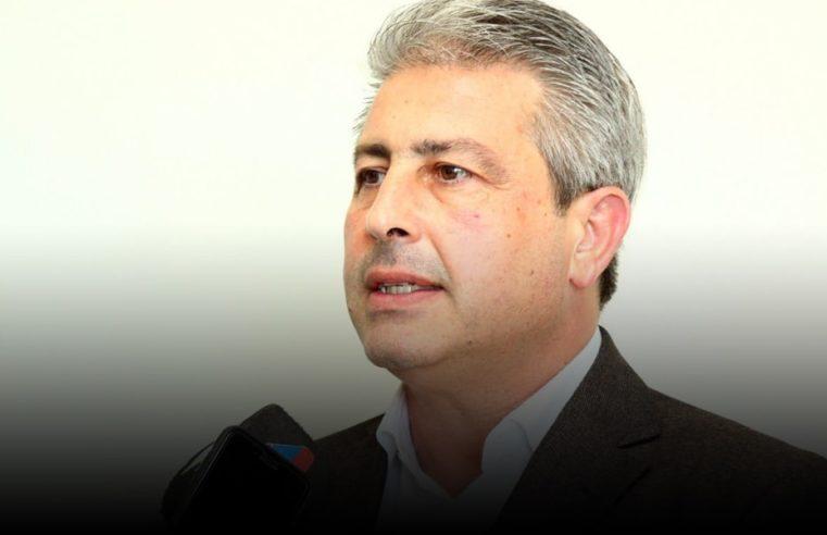 Martínez se redujo un 30% su sueldo