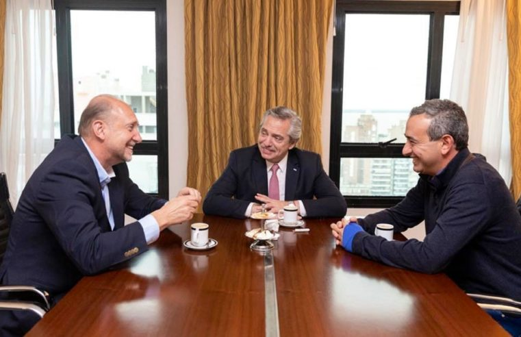 El intendente electo de Rosario se reunió con Fernández y Perotti