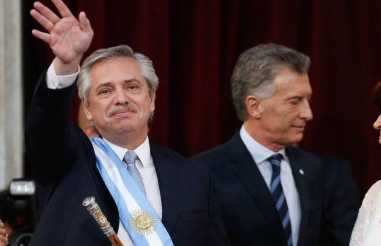 Emotiva recepción y frío saludo entre Macri y Cristina en la ceremonia de asunción